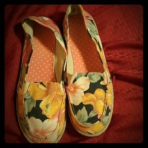 Faded Glory Shoes - Canvas Shoe